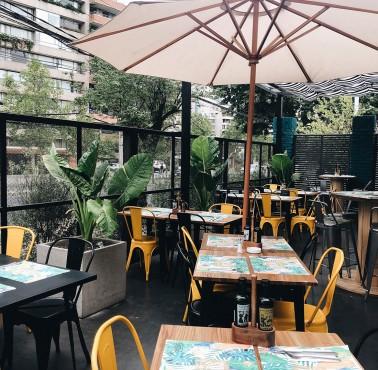 SOCIAL BAR & COCINAS Restaurante - Reserva en restaurantes de Comida HAMBURGUESA - VITACURA - MESA 24/7 | SANTIAGO - Perú