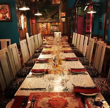 VERY KITSCH Restaurante - Reserva en restaurantes de Comida CHILENA - PROVIDENCIA - MESA 24/7 | SANTIAGO - Perú
